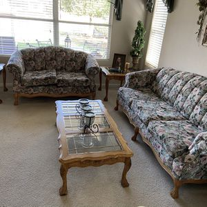Sofa, Love seat, 2 End Tables & Coffe Table for Sale in Clovis, CA