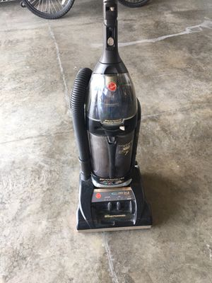Hoover vacuum self propelled top of the line for Sale in Caseyville, IL
