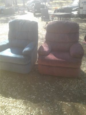 Lazy-boy recliners free for Sale in Auburn, CA