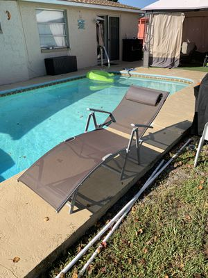 Pool chair zero chairs for Sale in Port Richey, FL