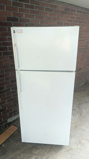 Refrigerator (full-sized) Hotpoint for Sale in Seattle, WA