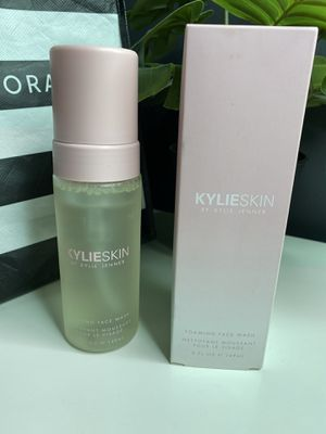 Kylie Skin face wash for Sale in Long Beach, CA