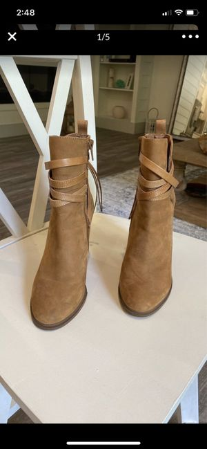 Steve Madden suede ankle women's boot for Sale in Ocean Ridge, FL