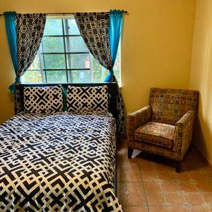 Fabric armchair-couch- sillón de tela for Sale in Homestead, FL