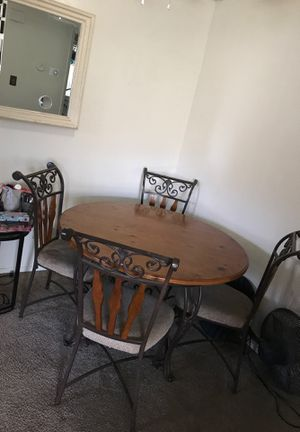 Table and chairs $120! for Sale in Clovis, CA