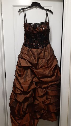 DOLCE JOVANI EVENING DRESS for Sale in Lakeside, CA