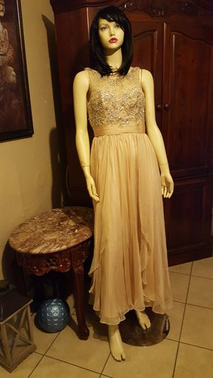 BEAUTIFUL prom dress size s ivory for Sale in Chino, CA