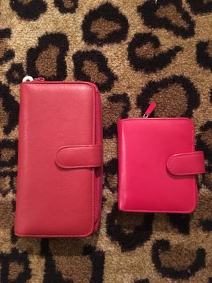 2 Red Wallets for Sale in Columbus, OH