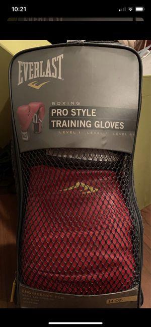 Everlast Pro 14oz boxing gloves for Sale in Lauderhill, FL