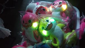 $17each or $50 for 3 !!! 59th Ave & Peoria Area -NEW Baby Shark Plush toy plays Baby Shark & Cheeks Light up ! for Sale in Glendale, AZ