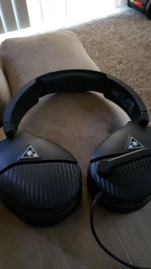 Turtlebeach recon 200 ps4 headset for Sale in Wichita, KS