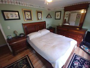 Louis Phillip Solid Mahogany Bedroom Set for Sale in Buffalo, NY