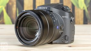 Sony Cyber Shot RX10 IV Camera for Sale in Ontario, CA