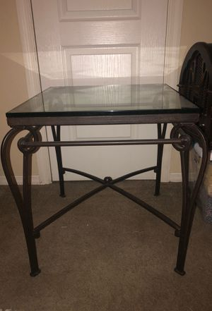 Side table for Sale in Normal, IL