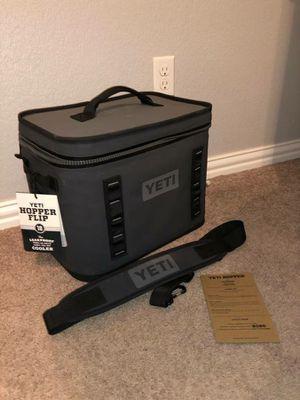 Yeti cooler hopper flip 18 soft sided zipper cooler for Sale in Mechanicsburg, OH