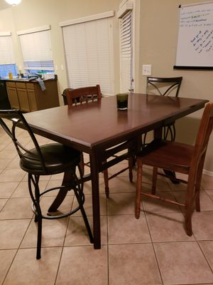 High Top Table and Chairs for Sale in Peoria, AZ
