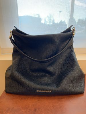 Burberry Cale Grainy Medium Black Leather Hobo Bag for Sale in Clinton, WA