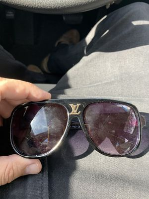 Louis Vuitton sunglasses for Sale in Aurora, CO
