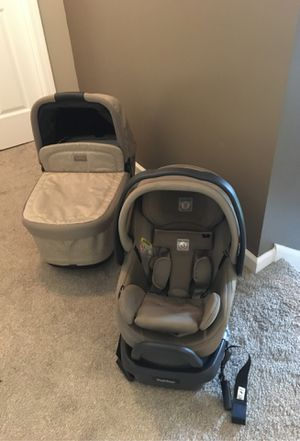 Peg Perego stroller , bassinet and car seat with base all together for Sale in Wellford, SC