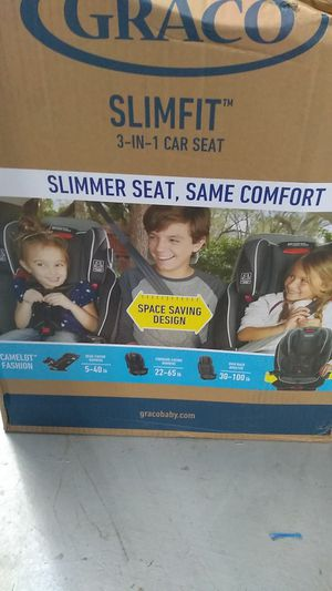 Graco SlimFit 3-in-1 car seat for Sale in Fort Meade, MD