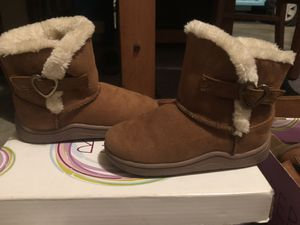 BRAND NEW ! Girls Light Brown Boots Size: 9C for Sale in New Cumberland, PA