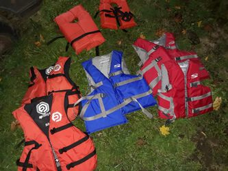 Lifejackets, backpack, Dyson vacuums, and more for Sale in Eagle Creek,  OR
