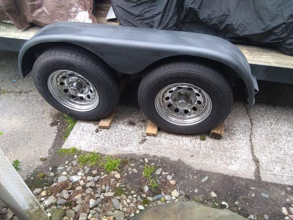 17 f Bulldog car trailer