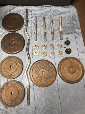 CURL BAR and 6 DISC 4 DUMBBELLS for Sale in Los Angeles, CA