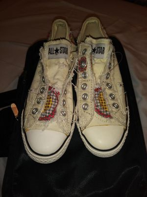 Converse All Star Distresses Ladies Size 5 for Sale in Tampa, FL