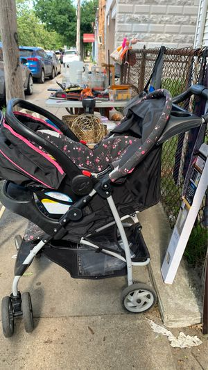 Stroller and car seat for Sale in Lawrence, MA