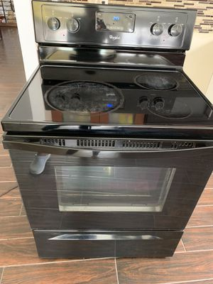 Whirlpool stove electric for Sale in Orlando, FL