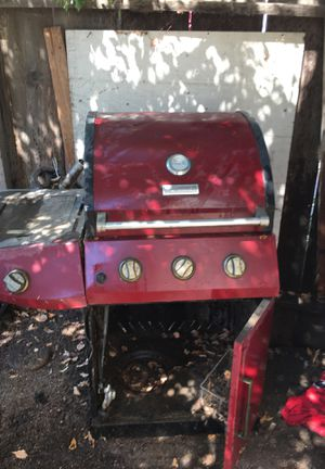 Propane bbq grill for Sale in Reedley, CA