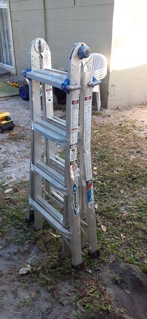 Ladder good condition for Sale in Tampa, FL