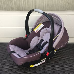 Graco Snugride Click Connect 35 Infant Car Seat for Sale in San Diego, CA