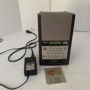 *Nice* Roland/ MT-90s Music Player W/ Original Power Cord for Sale in Lawrenceville, GA