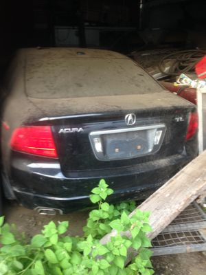 04 Acura TL (parting out) runs and drives great. Low milage. for Sale in Newark, NJ