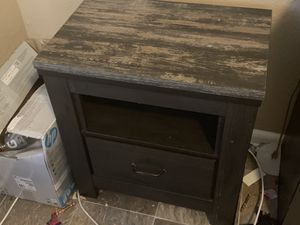 Barely used bedroom set for Sale in Tampa, FL