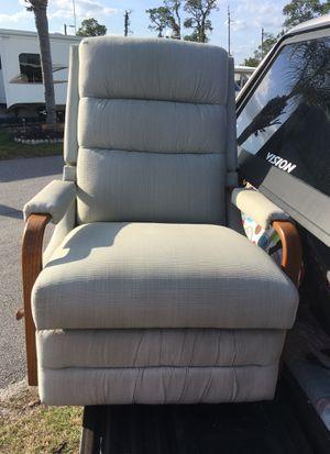 La-Z-Boy rocker recliner like new for Sale in Avon Park, FL