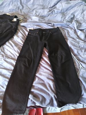 Levis jeans mens size 36x34 for Sale in Vallejo, CA