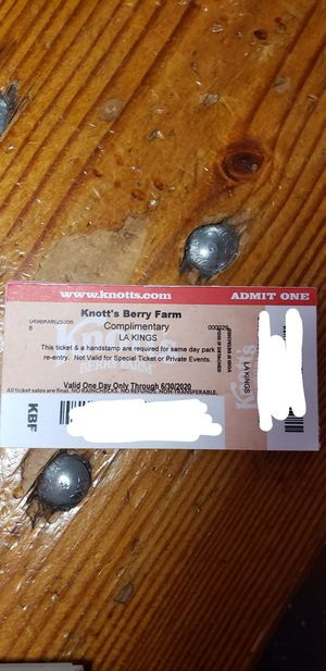 Knotts berry farm tickets for Sale in Los Angeles, CA