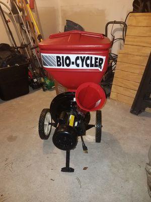 BIO CUCLER WOOD CHIPPER for Sale in Bridgeport, CT