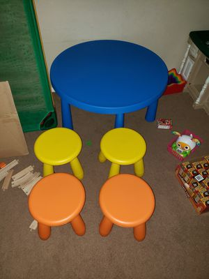 Kids table and chairs for Sale in Arlington, TX