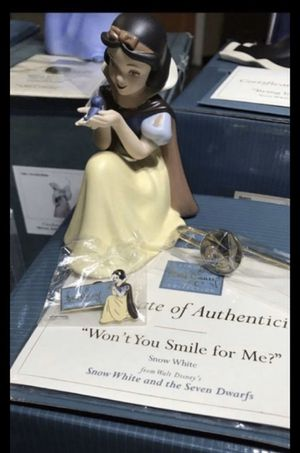 "WDCC Snow White ""Won't You Smile for Me"" Disney Figurine for Sale in Fort Worth, TX"