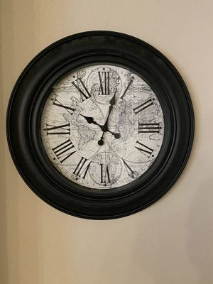 Large wall clock. for Sale in San Marcos, TX