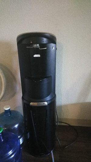 Water cooler and heater for Sale in Las Vegas, NV