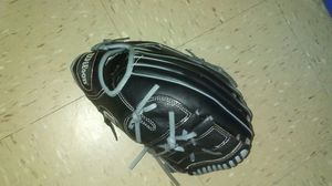 Wilson baseball glove right hand for Sale in New York, NY