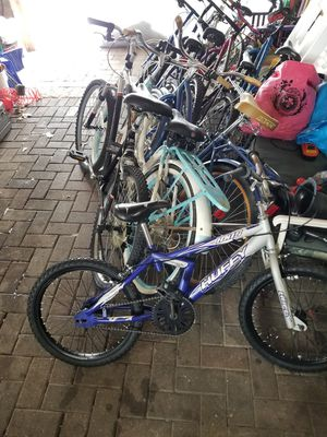 Mountain bikes beach cruisers and kids bikes!!! for Sale in Chicago, IL