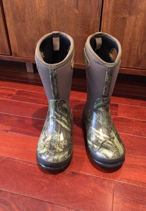 Bogs Snow Boots Kids 4 for Sale in Barrington, IL
