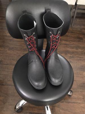 Rain/ snow boots for Sale in Compton, CA