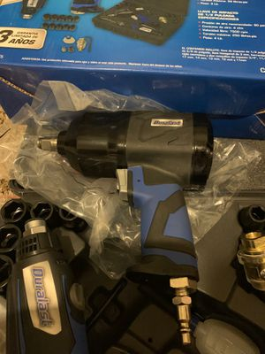 Duralast 17 pc air tool kit for Sale in Chicago, IL